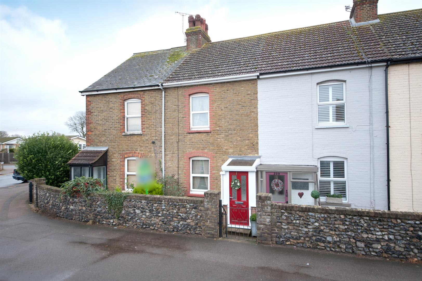 2 Bedrooms Terraced House for sale in Canterbury Road, BIRCHINGTON